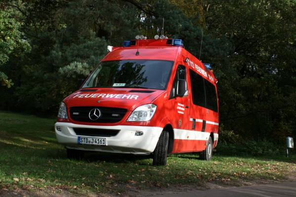 http://feuerwehr-buxtehude.de/media/img/bilder_ow_bu1/bilder_bu1_fa/elw/4161q.jpg