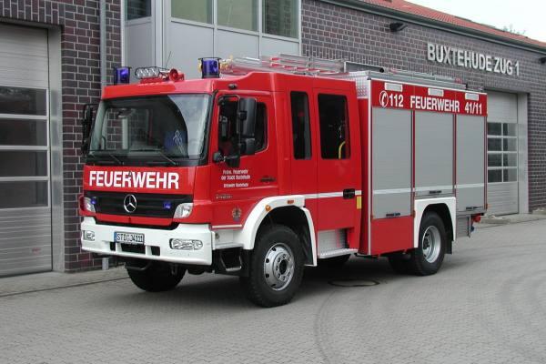 http://feuerwehr-buxtehude.de/media/img/bilder_ow_bu1/bilder_bu1_fa/hlf/4111a.jpg