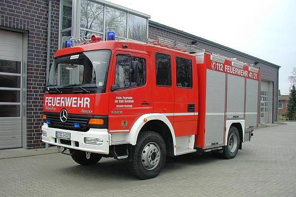 http://feuerwehr-buxtehude.de/media/img/bilder_ow_bu1/bilder_bu1_fa/lf/4121a.jpg