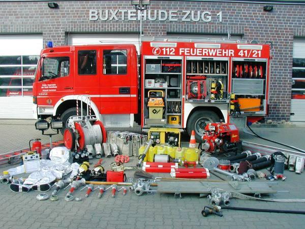 http://feuerwehr-buxtehude.de/media/img/bilder_ow_bu1/bilder_bu1_fa/lf/4121b.JPG