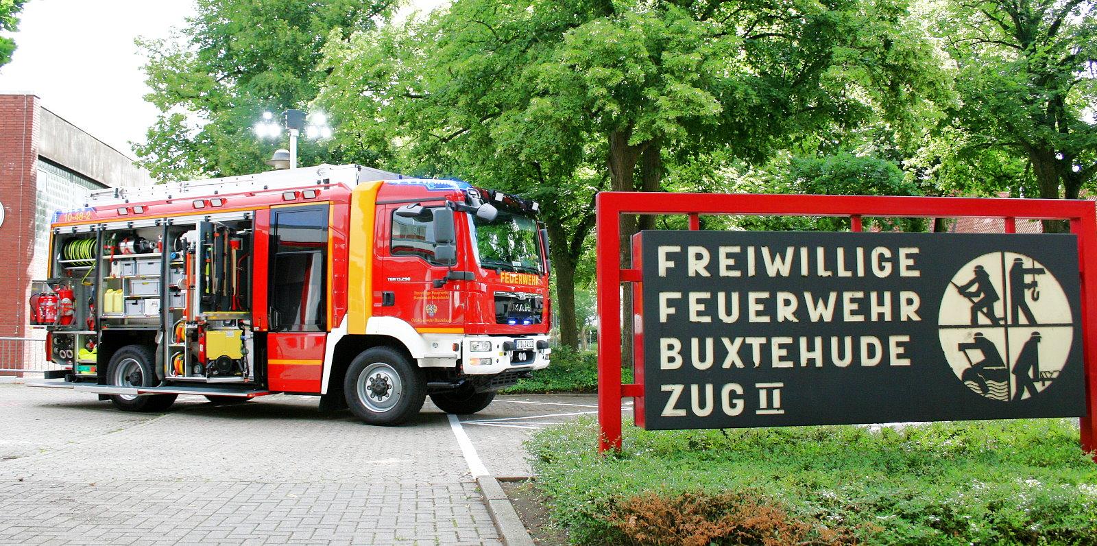 http://feuerwehr-buxtehude.de/media/img/bilder_ow_bu2/bilder_bu2_fa/hlf/006.JPG