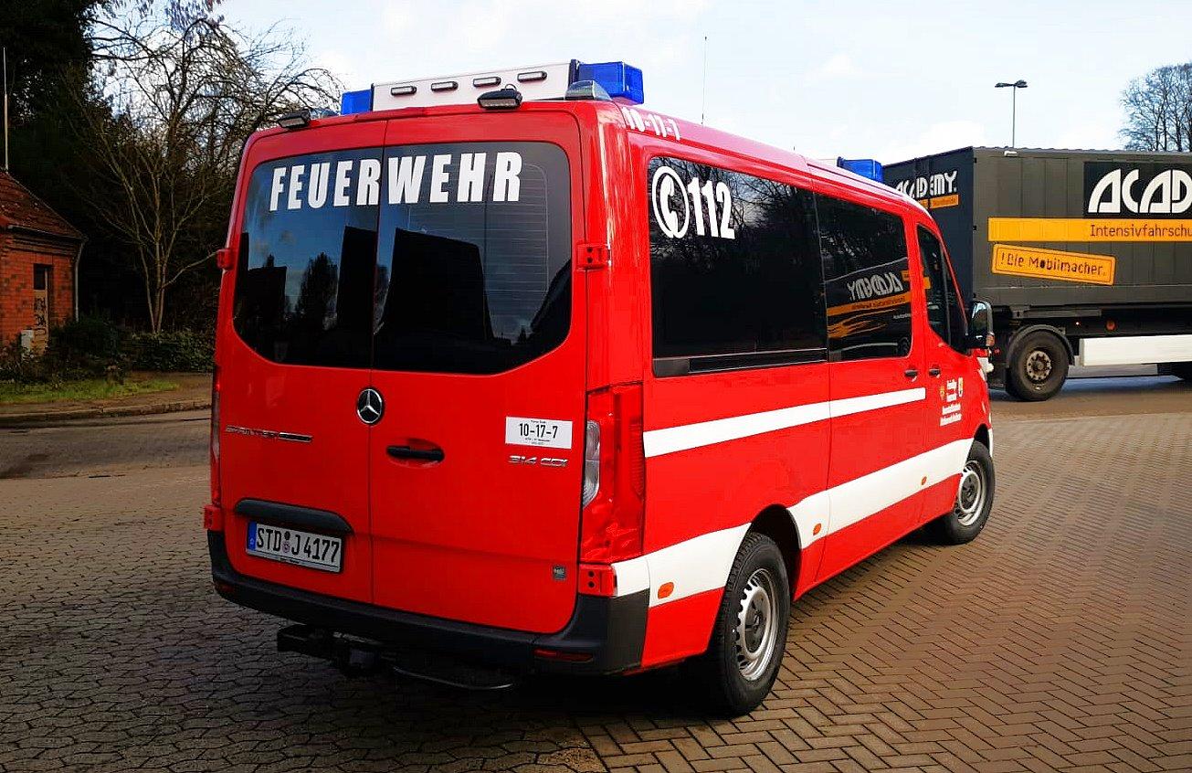 http://feuerwehr-buxtehude.de/media/img/bilder_ow_nkl/bilder_nkl_fa/mtf/4177f.jpg