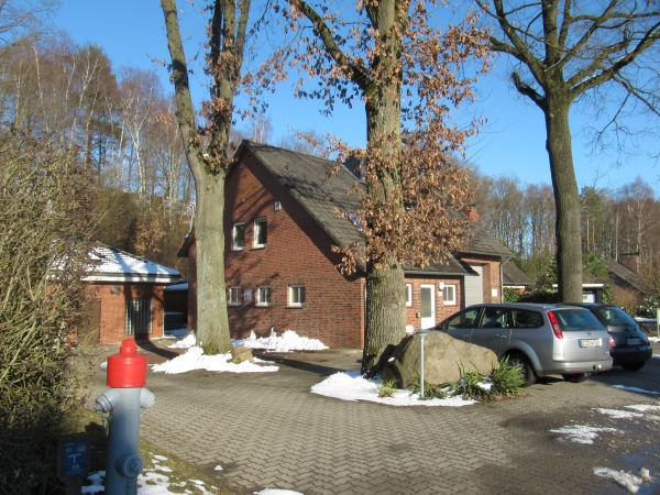 http://feuerwehr-buxtehude.de/media/img/bilder_ow_ot/geraetehaus/gh1.jpg