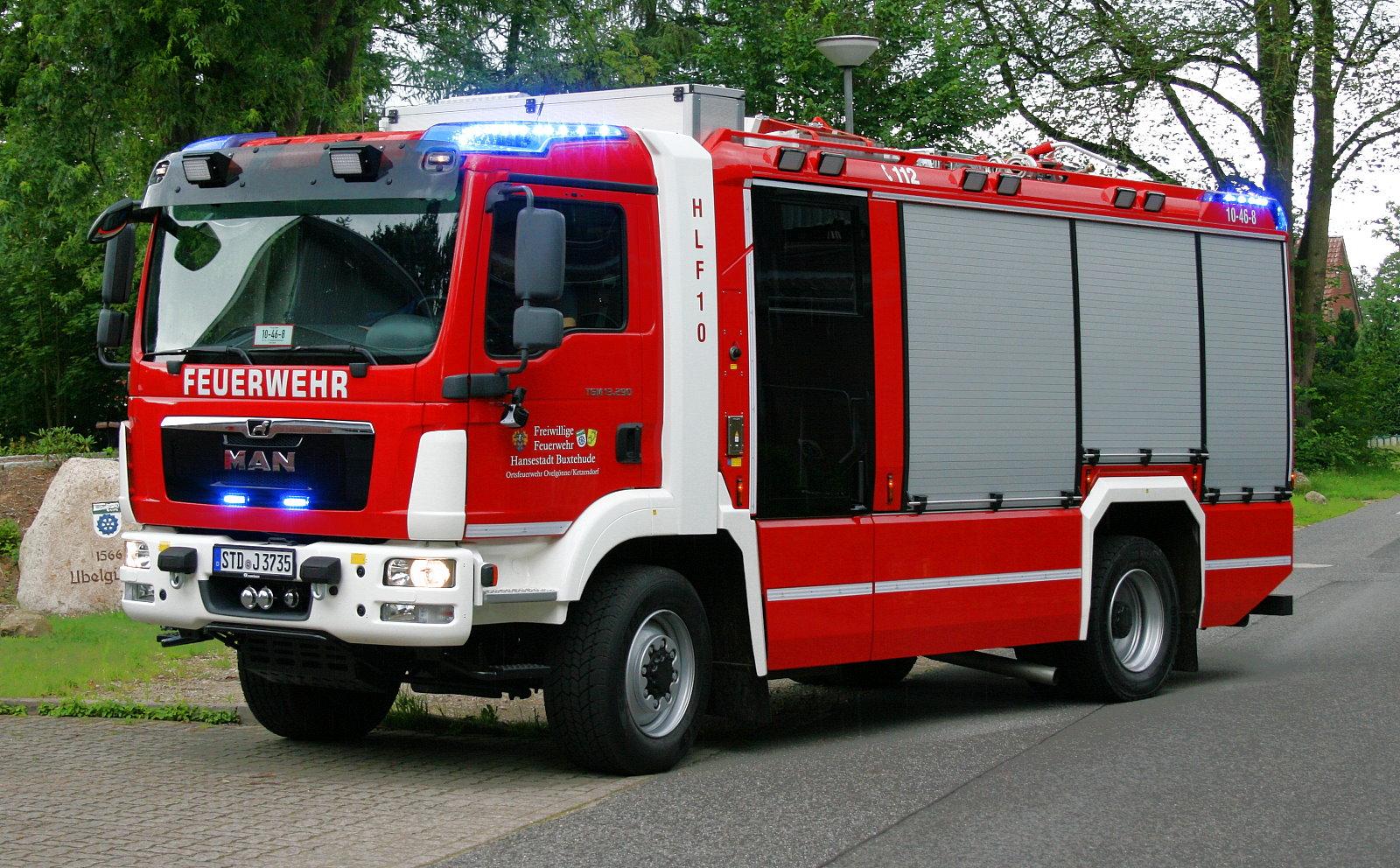 http://feuerwehr-buxtehude.de/media/img/bilder_ow_ov/bilder_ov_fa/hlf/02.JPG