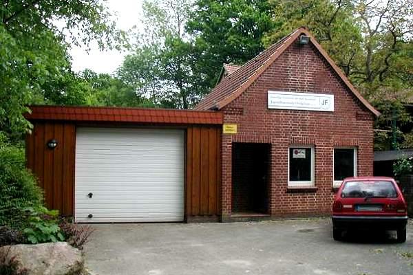 http://feuerwehr-buxtehude.de/media/img/bilder_ow_ov/geraetehaus/ovelgoenne_geraetehaus2.jpg
